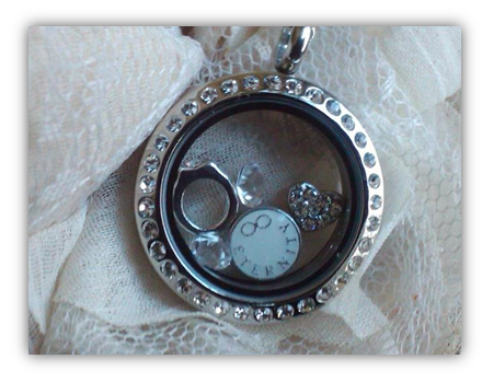 weding-charm-necklace-locket
