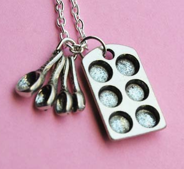 bakers-necklace