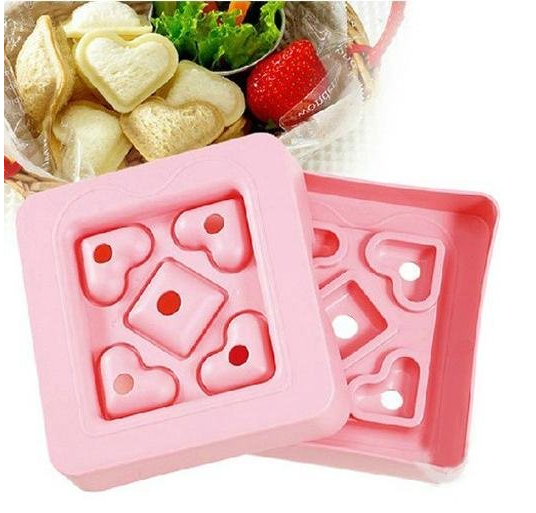 heart-shaped-sandwich-mold